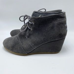 Toms suede wedge ankle booties size 8